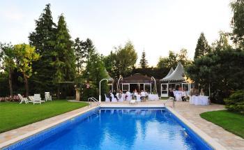 L 39 ecrin location de salle chevry cossigny demeure de - Hotel avec piscine seine et marne ...